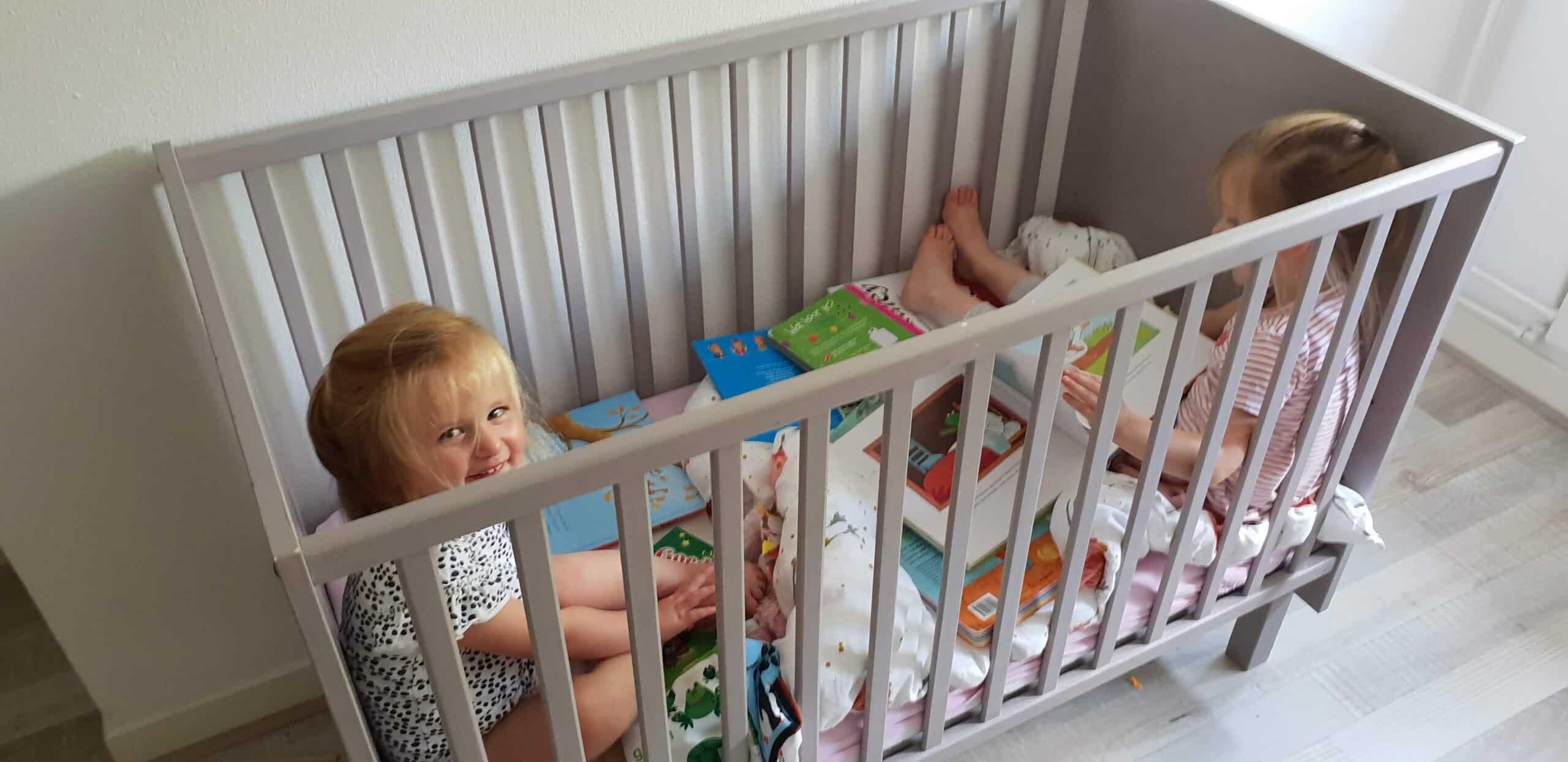 De meiden samen in bed - dadventures.nl