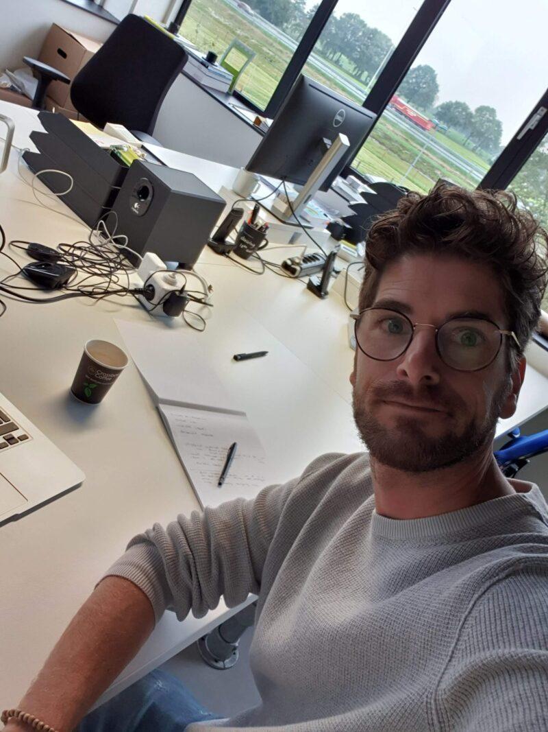Bart op kantoor - dadventures.nl