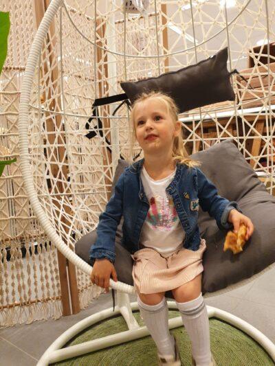Estelle in de Xenos - dadventures.nl