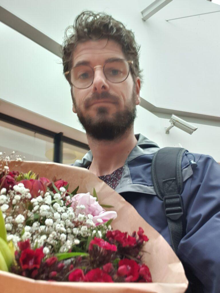 Bosje bloemen voor Iris - dadventures.nl