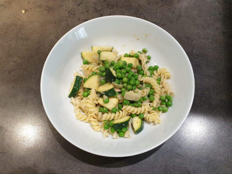 vegetarische pesto pasta met veel groente recept